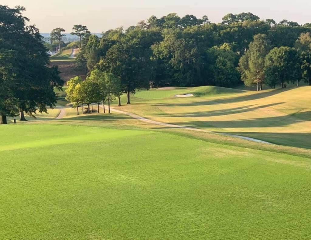 Highland Park Golf Course - school    Photo 1 of 7   Address: 3300 Highland Ave, Birmingham, AL 35205, USA   Phone: (205) 322-1902