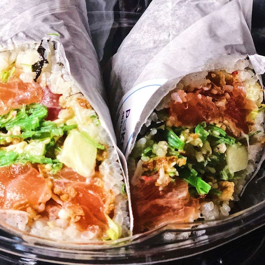 Poke N Roll - restaurant  | Photo 5 of 10 | Address: 441 E 9th St, New York, NY 10009, USA | Phone: (212) 420-7653
