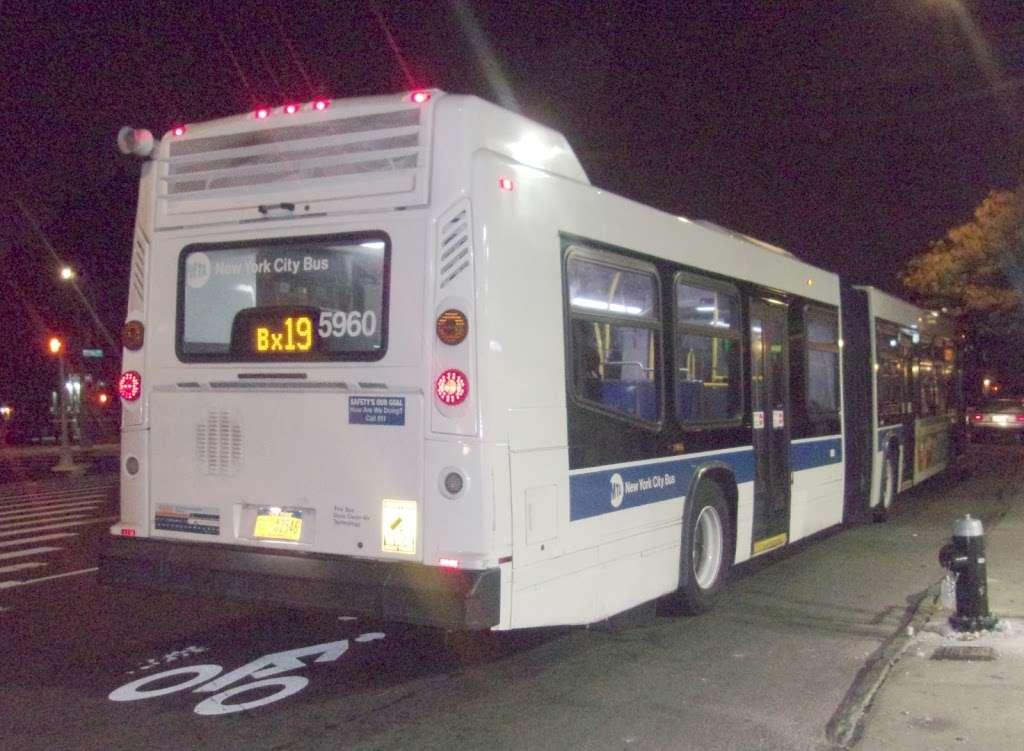 Southern Bl/e 182 St - bus station    Photo 2 of 2   Address: Bronx, NY 10460, USA