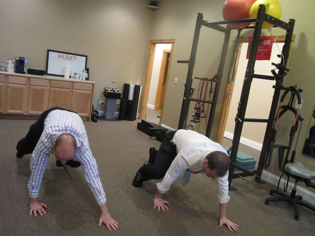 React Spine and Sports Institute - health  | Photo 3 of 10 | Address: 1824 Johns Dr, Glenview, IL 60025, USA | Phone: (224) 432-5276