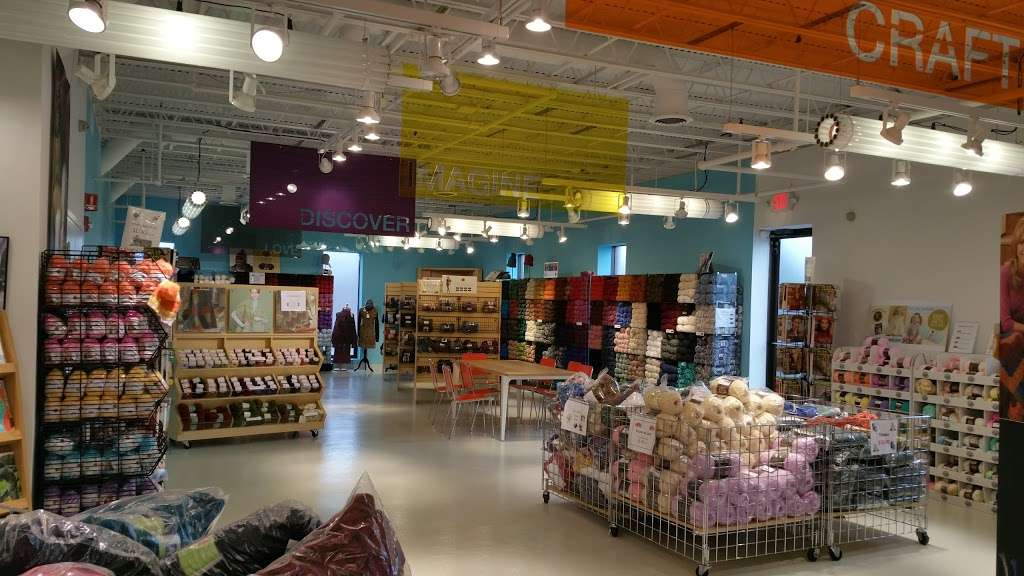 Lion Brand Yarn Outlet - store  | Photo 4 of 10 | Address: 140 Kero Rd, Carlstadt, NJ 07072, USA | Phone: (201) 939-0611