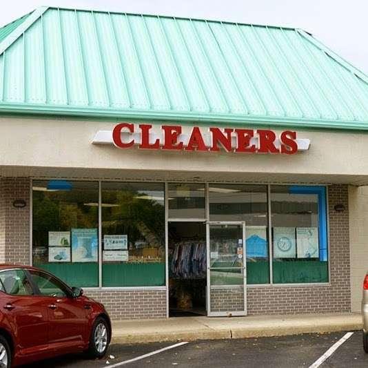 Palm Cleaners - laundry  | Photo 2 of 3 | Address: 459 Market St, Elmwood Park, NJ 07407, USA | Phone: (201) 475-1515