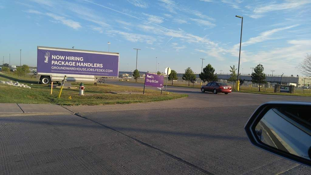 FedEx Ground - moving company  | Photo 3 of 9 | Address: 1101 E Cleveland St, Hutchins, TX 75141, USA | Phone: (800) 463-3339