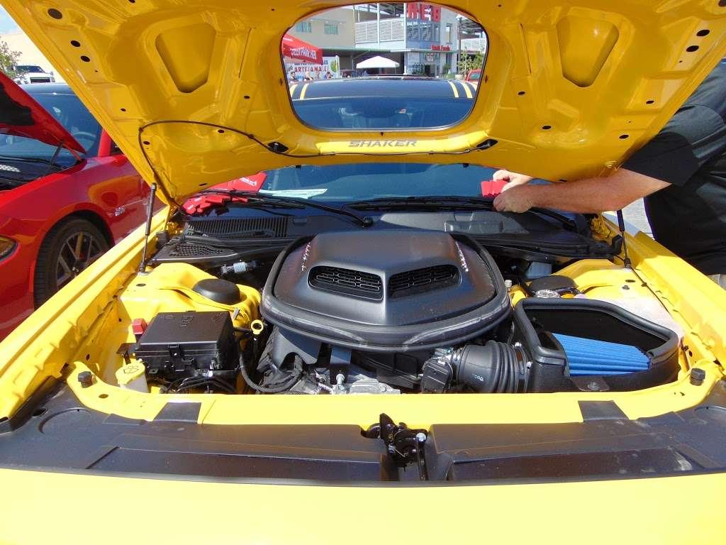Bayshore Chrysler Jeep Dodge RAM - car dealer  | Photo 10 of 10 | Address: 5225, I-10 E, Baytown, TX 77521, USA | Phone: (281) 421-6000
