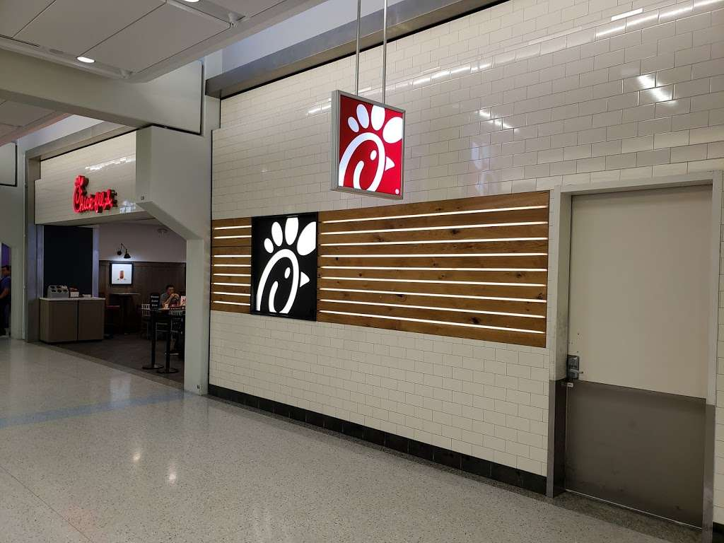 Chick-fil-A - restaurant  | Photo 4 of 4 | Address: Terminal E, Gate E5, International Pkwy, DFW Airport, TX 75261, USA | Phone: (469) 865-1300