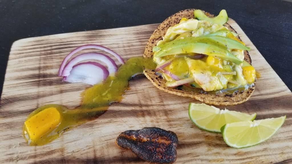 Hijoz de su Madre Mariscos - restaurant  | Photo 4 of 9 | Address: 2497 Riverside Ave, Rialto, CA 92377, USA | Phone: (909) 565-3829