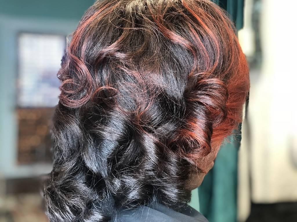 Elite Hair Care USA ( inside My Salon Suites ) - hair care  | Photo 2 of 9 | Address: 2300 E Semoran Blvd, Apopka, FL 32712, USA | Phone: (407) 499-3882