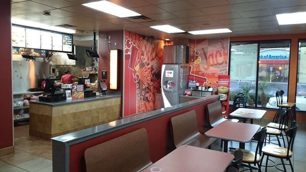Jack in the Box - restaurant    Photo 2 of 10   Address: 29993 Canyon Hills Rd, Lake Elsinore, CA 92532, USA   Phone: (951) 244-2649