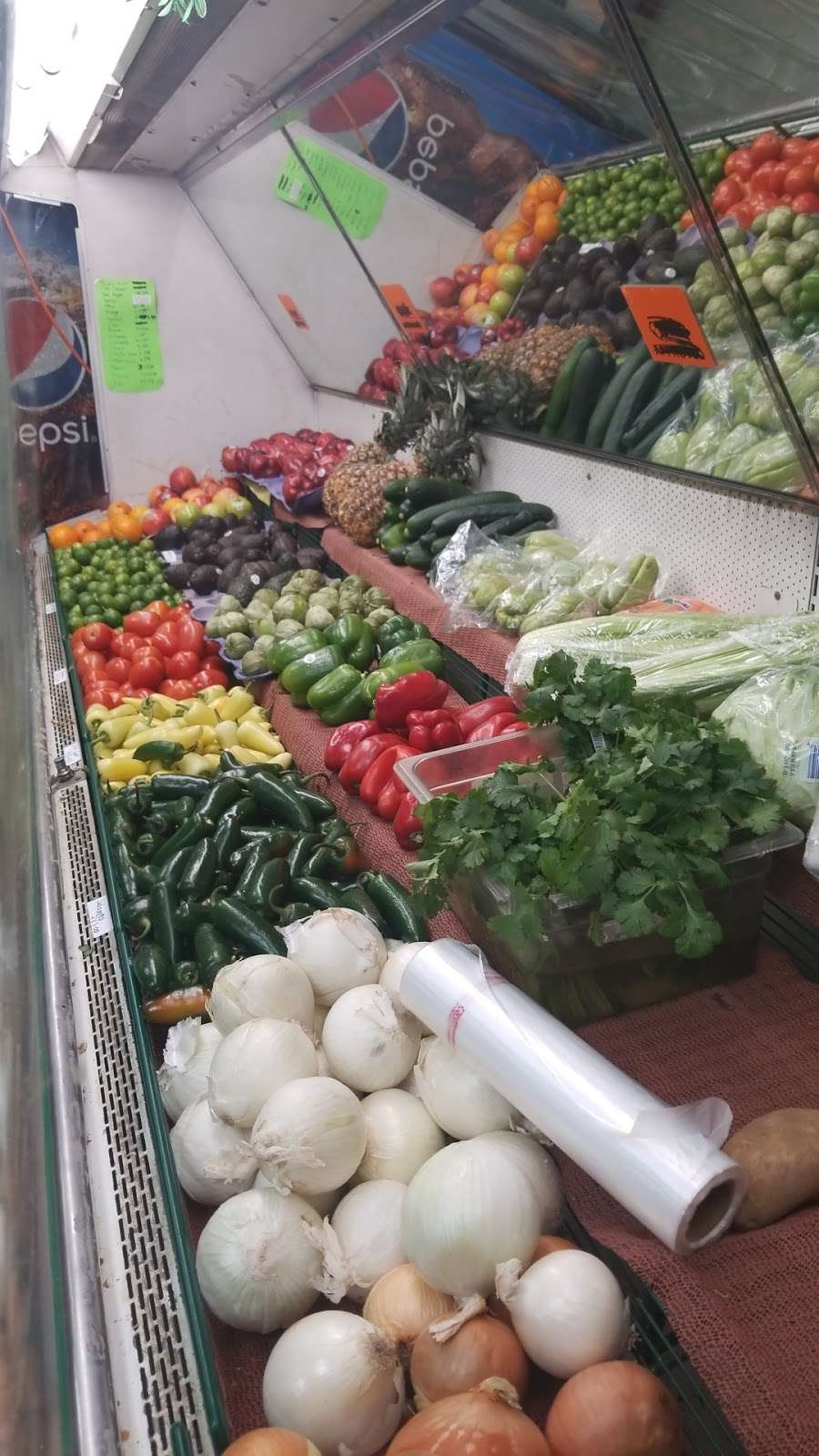 Latino Market - convenience store  | Photo 5 of 10 | Address: 7806 N 27th Ave, Phoenix, AZ 85051, USA | Phone: (602) 973-5326