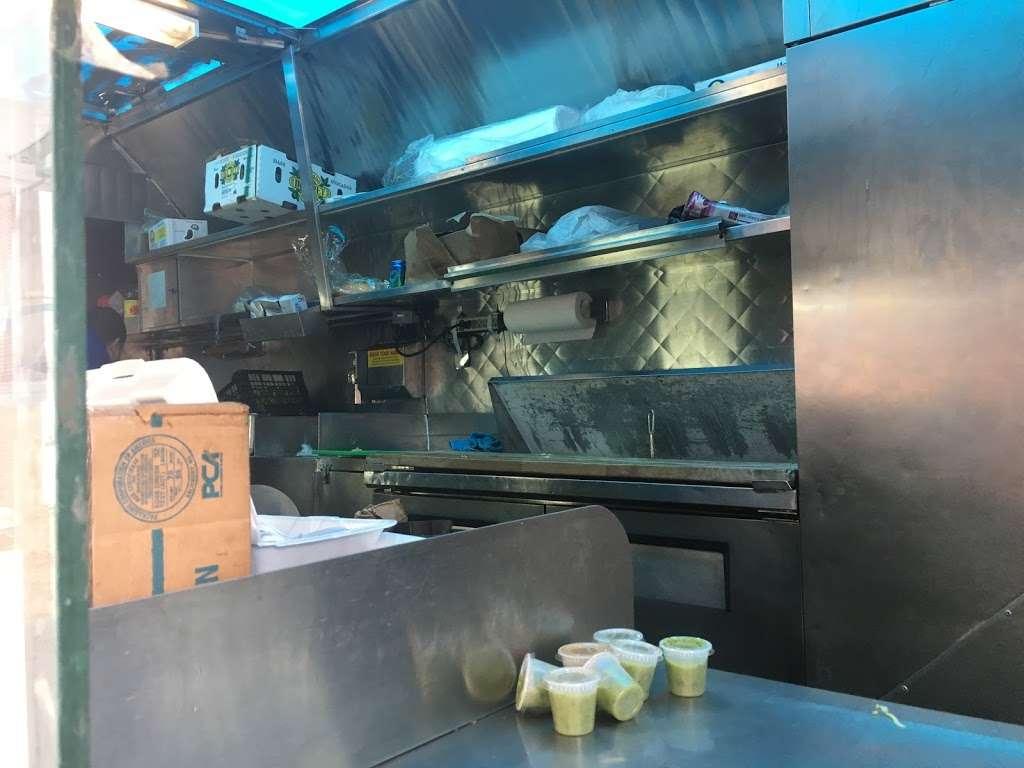 Taco LOPEZ - restaurant    Photo 10 of 10   Address: 86th street and, 18th Ave, Brooklyn, NY 11214, USA   Phone: (929) 304-9394