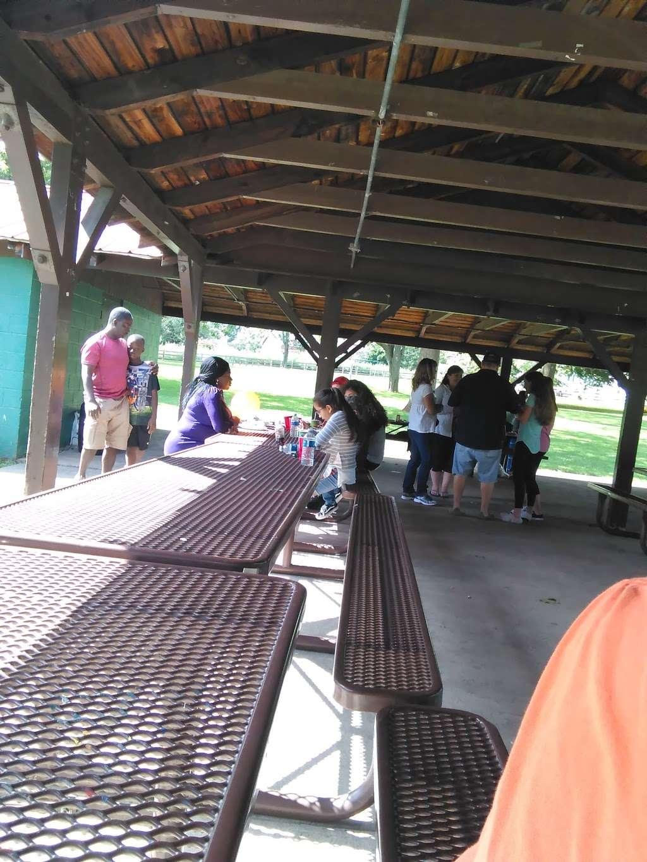 Lindberg Park - park  | Photo 9 of 10 | Address: 2800 Lindberg Ave, Allentown, PA 18103, USA | Phone: (484) 484-4848