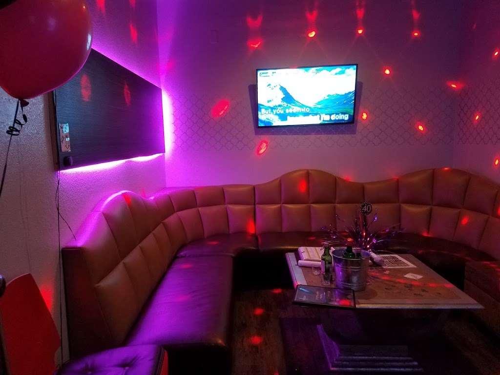 GoGo Karaoke - night club  | Photo 5 of 10 | Address: 4550 Maryland Parkway #18, Las Vegas, NV 89119, USA | Phone: (702) 739-9011