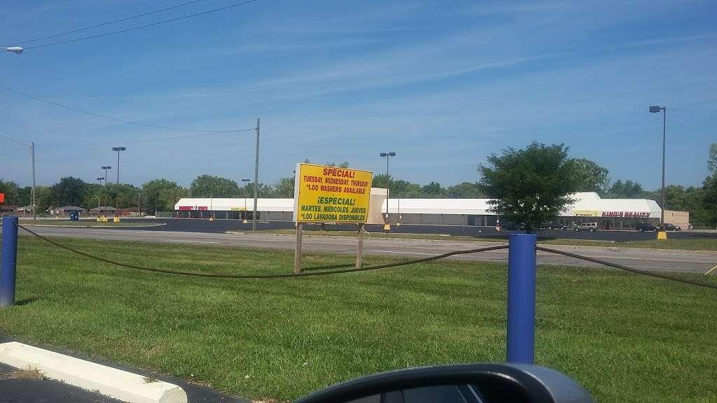 Indyland II Laundromat - laundry  | Photo 4 of 10 | Address: 6125 E 38th St, Indianapolis, IN 46226, USA | Phone: (317) 983-0640