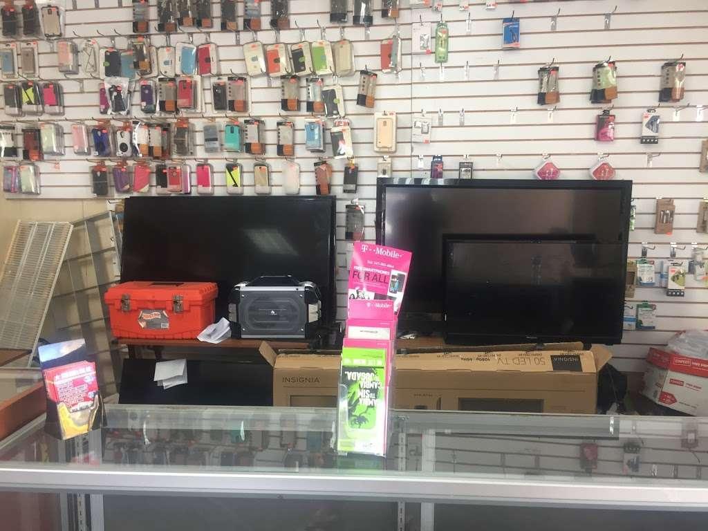 STAR GOLD & GEM - store  | Photo 2 of 10 | Address: 400 E Gun Hill Rd, Bronx, NY 10467, USA | Phone: (347) 346-4080