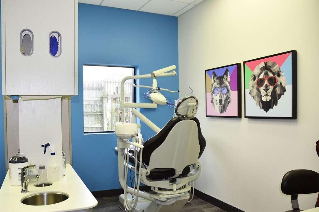 ProHEALTH Dental - dentist    Photo 6 of 7   Address: 163-45 Cross Bay Blvd, Howard Beach, NY 11414, USA   Phone: (718) 641-3838