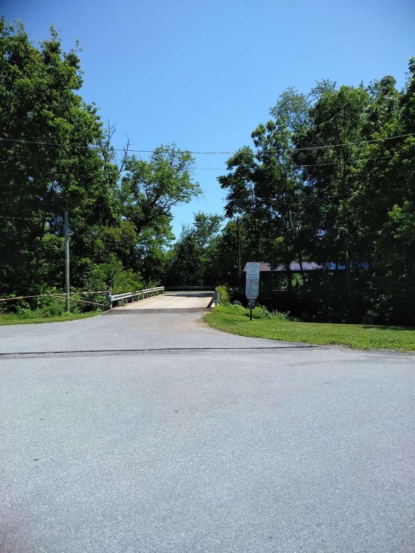 Myerstown Quarry Lake - park  | Photo 4 of 10 | Address: 331 E Mill Ave, Myerstown, PA 17067, USA