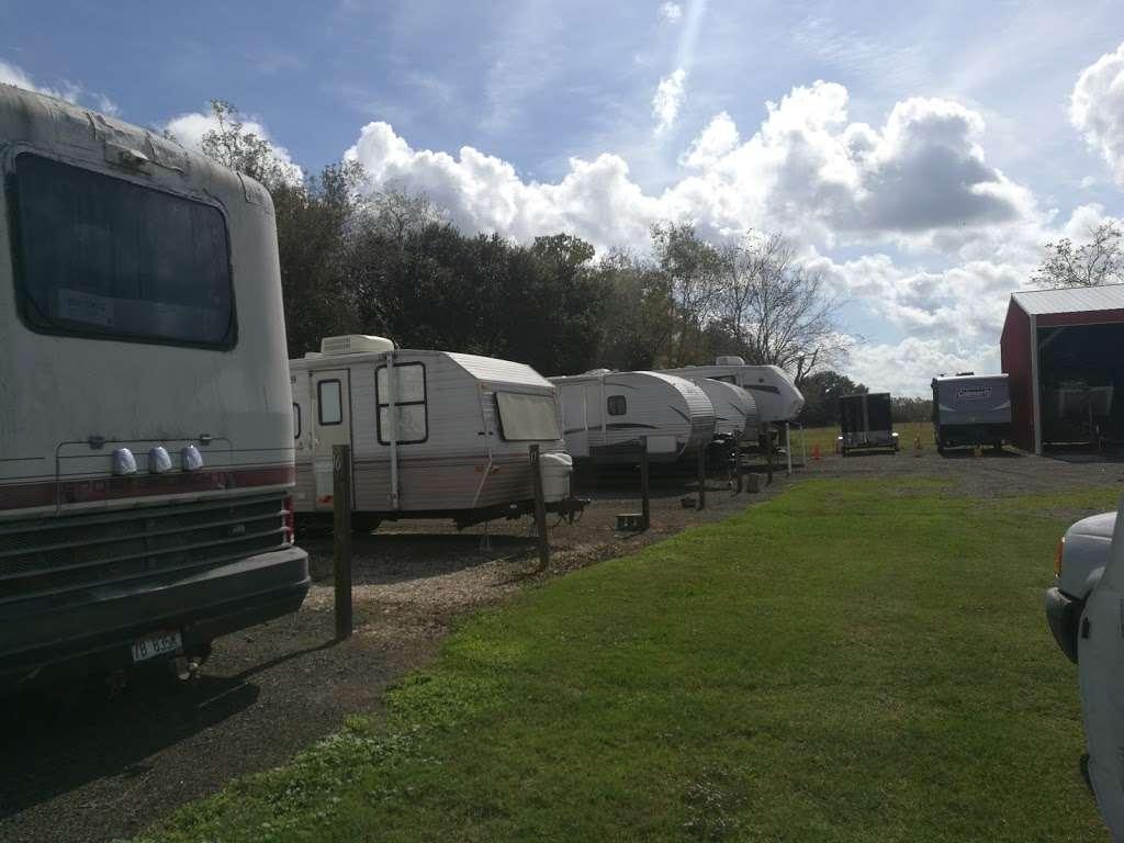 Barina RV & Boat Storage - storage    Photo 7 of 9   Address: 4235 County Rd 288, Angleton, TX 77515, USA   Phone: (979) 299-3772