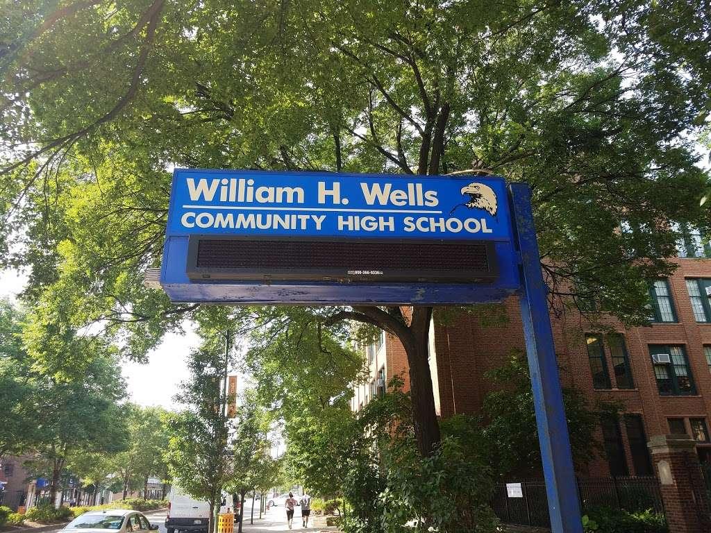 William H. Wells Community Academy High School - school  | Photo 5 of 10 | Address: 936 N Ashland Ave, Chicago, IL 60622, USA | Phone: (773) 534-7010