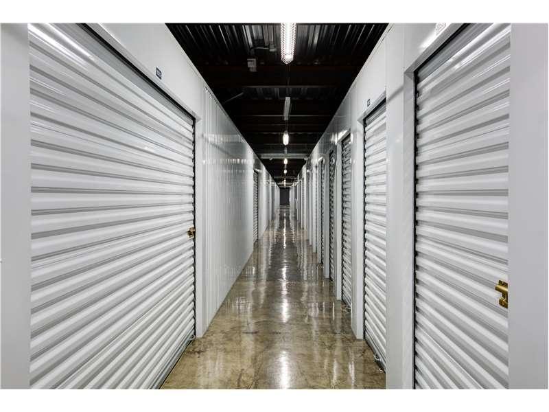 Extra Space Storage - moving company    Photo 8 of 10   Address: 6527 San Fernando Rd, Glendale, CA 91201, USA   Phone: (818) 650-3101