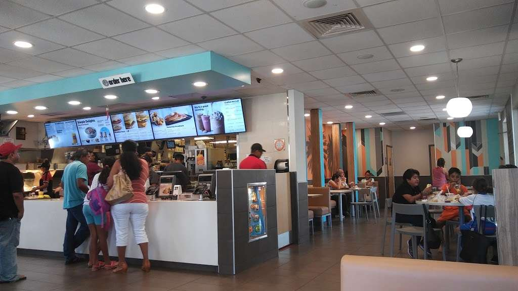 McDonalds - cafe    Photo 5 of 10   Address: 1526 W Edinger Ave, Santa Ana, CA 92704, USA   Phone: (714) 546-5612