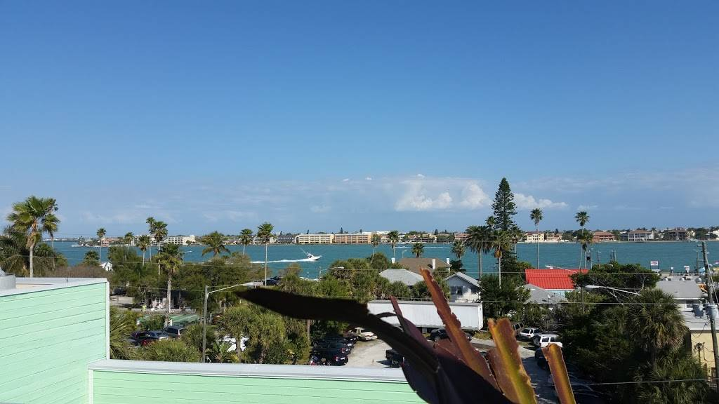 Hurricane Seafood Restaurant - restaurant  | Photo 9 of 9 | Address: 809 Gulf Way, St Pete Beach, FL 33706, USA | Phone: (727) 360-9558