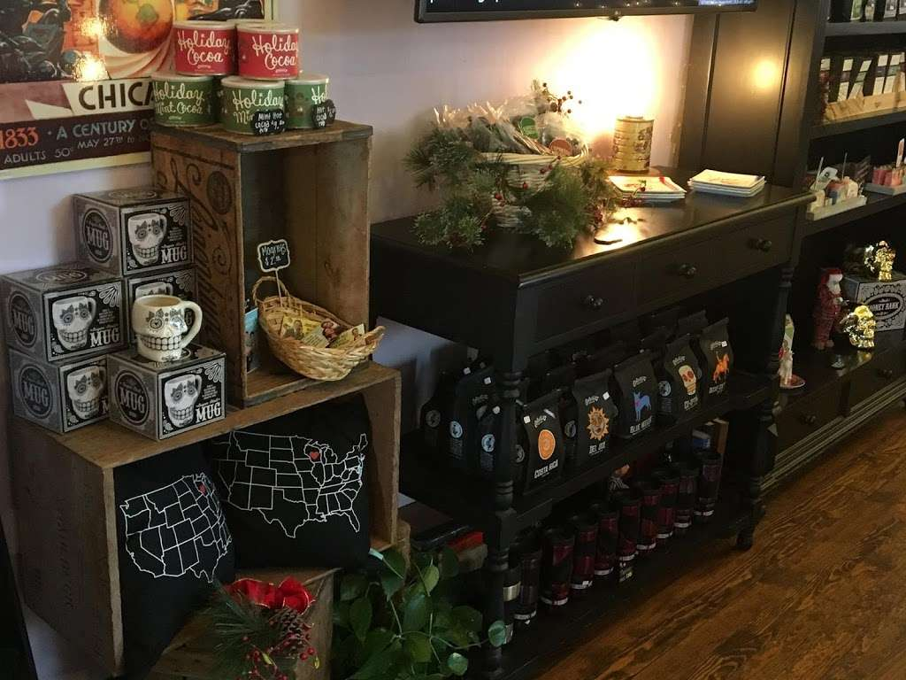 Milwaukee Street Traders - cafe  | Photo 1 of 9 | Address: 523 Milwaukee St, Delafield, WI 53018, USA | Phone: (262) 646-9289