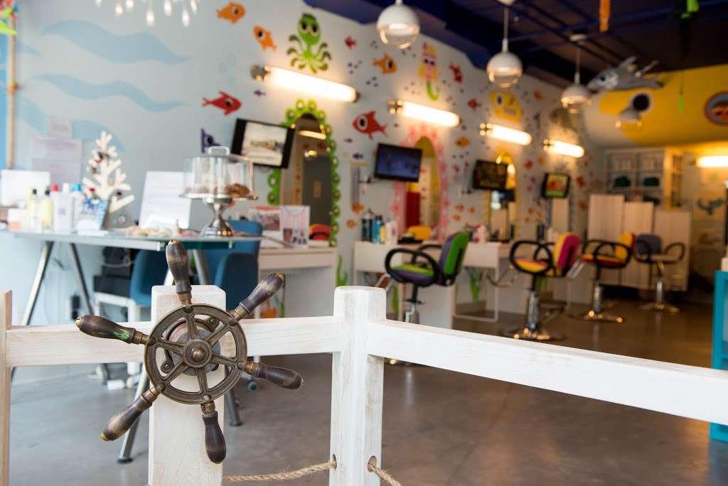 Edamama Cute Cuts & More - Hair Salon for Kids - hair care  | Photo 3 of 10 | Address: 568 Union Ave, Brooklyn, NY 11211, USA | Phone: (718) 388-3663