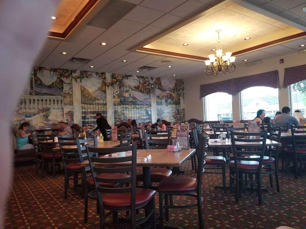 Paragon Restaurant - restaurant  | Photo 1 of 10 | Address: 1701 E 37th Ave, Hobart, IN 46342, USA | Phone: (219) 947-2440