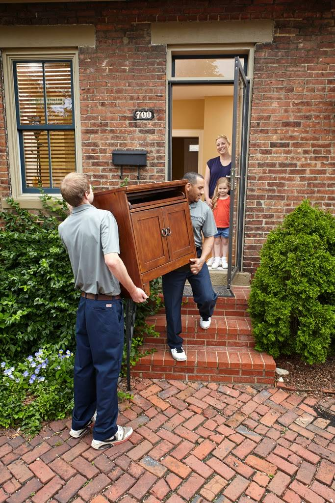 Leaders Moving & Storage Co. - moving company  | Photo 8 of 10 | Address: 4517 Industrial Pkwy, Cleveland, OH 44135, USA | Phone: (440) 497-4393