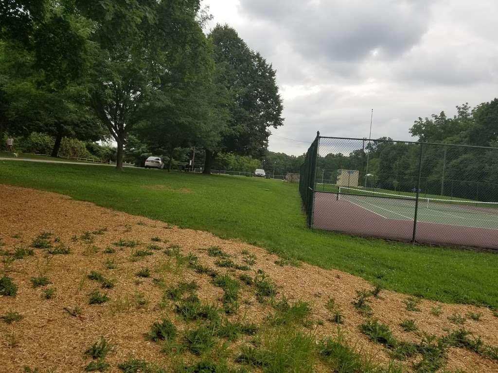 Veterans Memorial Park - park  | Photo 9 of 10 | Address: Springfield, PA 19064, USA