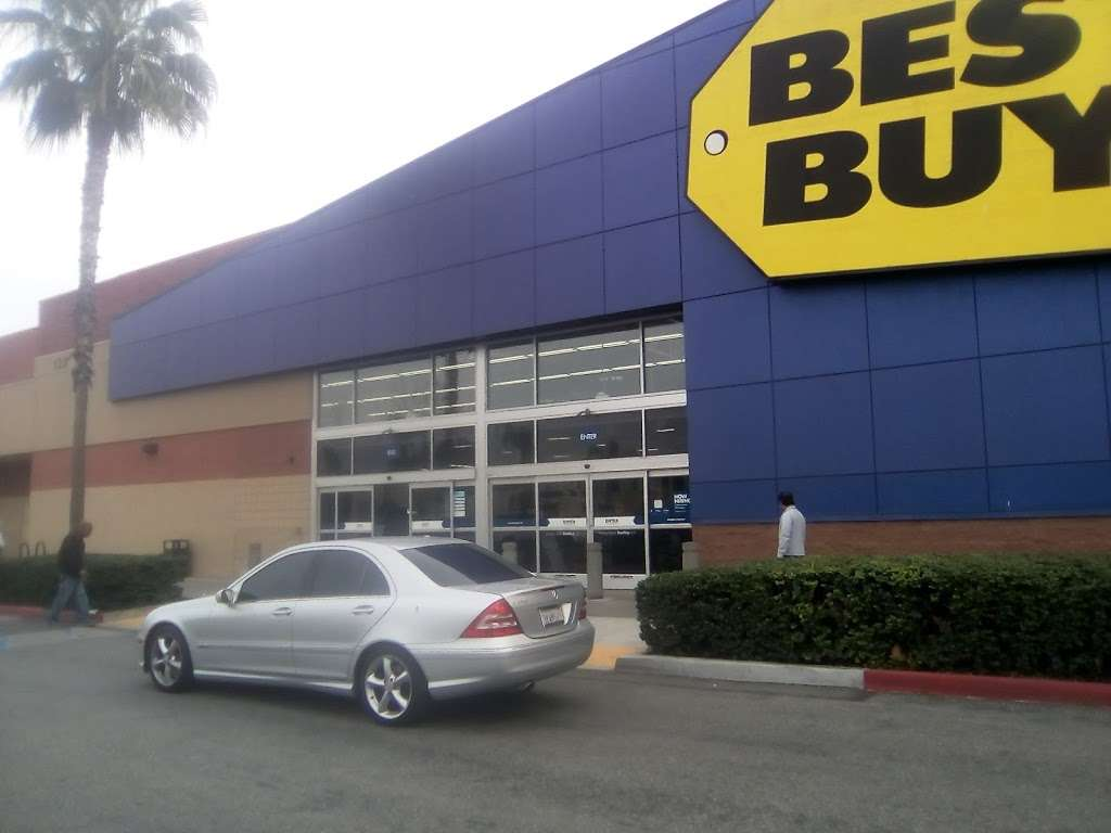 Best Buy - electronics store  | Photo 7 of 10 | Address: 123 E Orangefair Mall, Fullerton, CA 92832, USA | Phone: (714) 447-7939