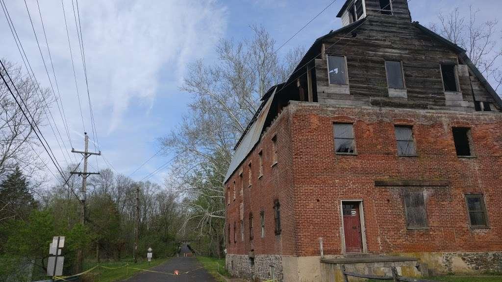 Perkiomen Trail Crusher Road Parking Area - park  | Photo 4 of 10 | Address: Perkiomen Trail, Perkiomenville, PA 18074, USA | Phone: (610) 278-3000