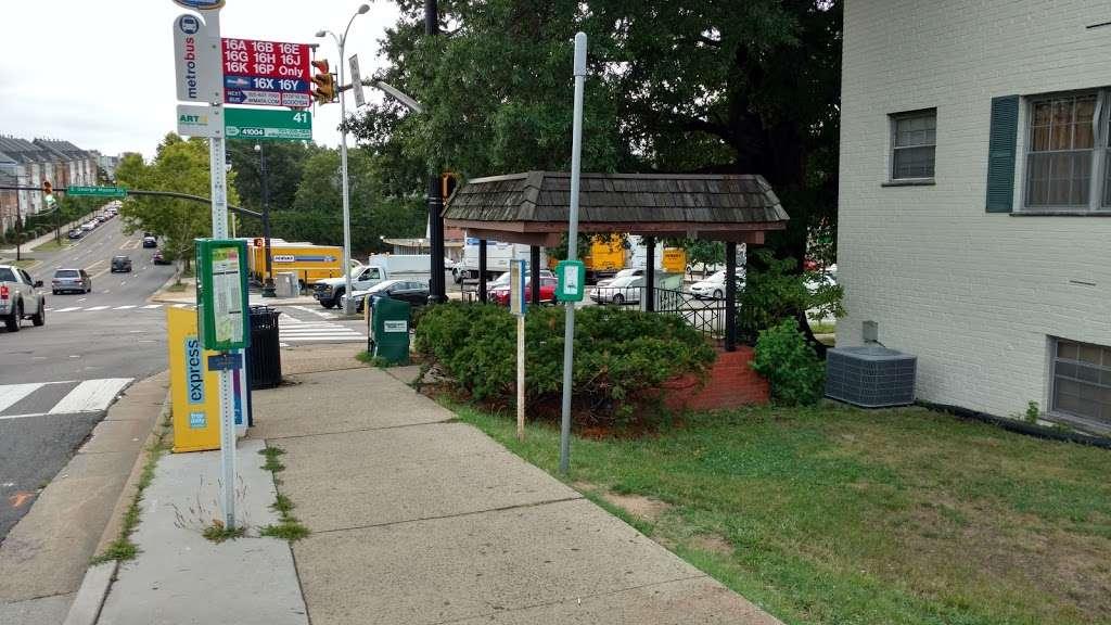 Columbia Pike, EB @ S George Mason Drive, NS - bus station    Photo 1 of 2   Address: Arlington, VA 22204, USA