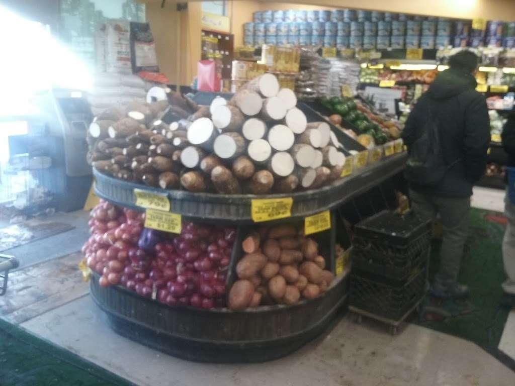 Compare Foods Supermarket - supermarket    Photo 1 of 10   Address: 1470 Westchester Ave, Bronx, NY 10472, USA   Phone: (718) 893-1277