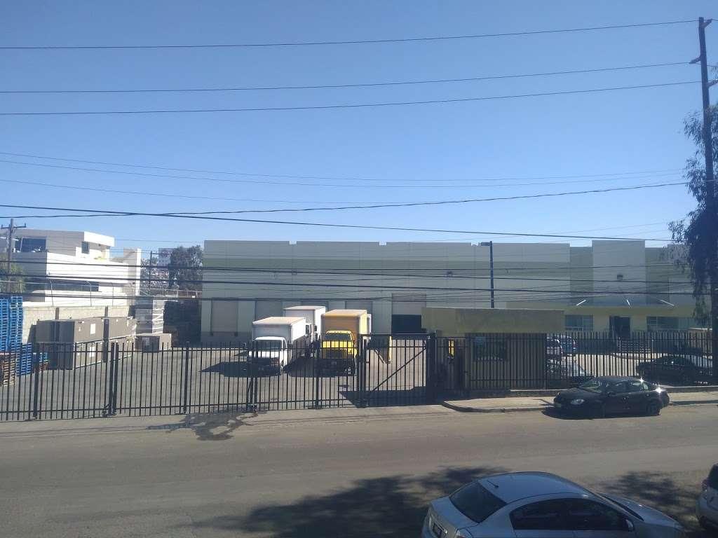 Ponce Distribuciones - storage  | Photo 7 of 7 | Address: Baños de Agua Caliente 3820, 20 de Noviembre, 22100 Tijuana, B.C., Mexico | Phone: 664 622 3046