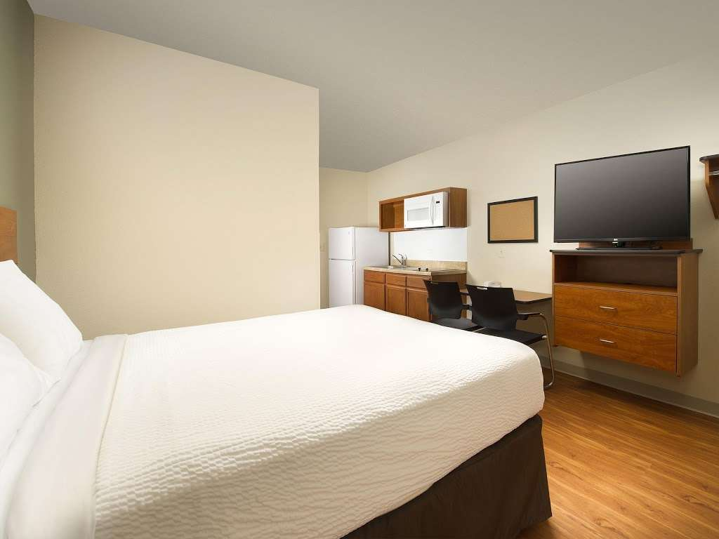 WoodSpring Suites Indianapolis Plainfield - lodging  | Photo 4 of 10 | Address: 6295 Gateway Dr, Plainfield, IN 46168, USA | Phone: (317) 837-2950