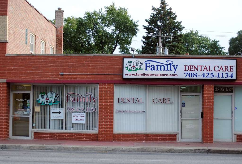Family Dental Care - Evergreen Park IL - doctor  | Photo 2 of 10 | Address: 2803 95th St, Evergreen Park, IL 60805, USA | Phone: (708) 419-1402