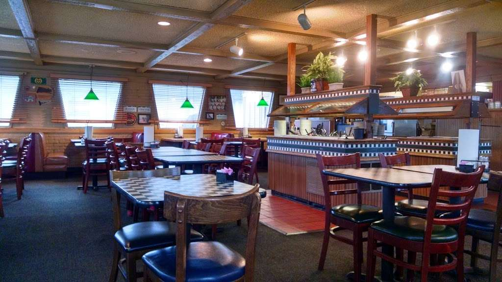 Pizza Hut - restaurant  | Photo 2 of 10 | Address: 2210 E Bridge St, Brighton, CO 80601, USA | Phone: (303) 659-6235