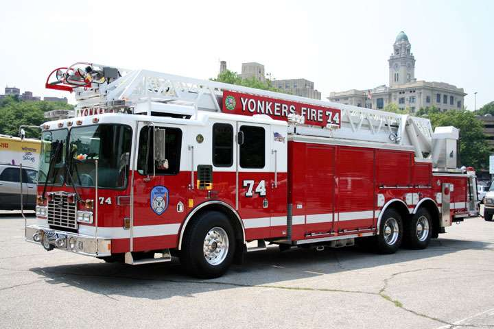 Yonkers FD Engine 304/Ladder 74 - fire station  | Photo 3 of 4 | Address: 36 Radford St, Yonkers, NY 10705, USA