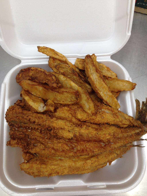 Chicken City - restaurant    Photo 4 of 6   Address: 7021 Liberty Rd, Gwynn Oak, MD 21207, USA   Phone: (410) 265-1669