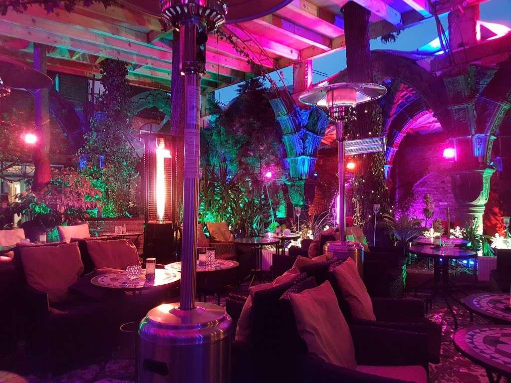 The Shisha Garden - lodging  | Photo 1 of 10 | Address: 88 Whitchurch Ln, Edgware HA8 6QN, UK | Phone: 07402 220098