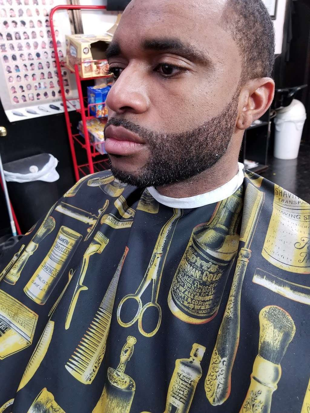 Cut Creations Barber Shop - hair care  | Photo 7 of 10 | Address: 5301 N Wayside Dr, Houston, TX 77028, USA | Phone: (713) 671-9825