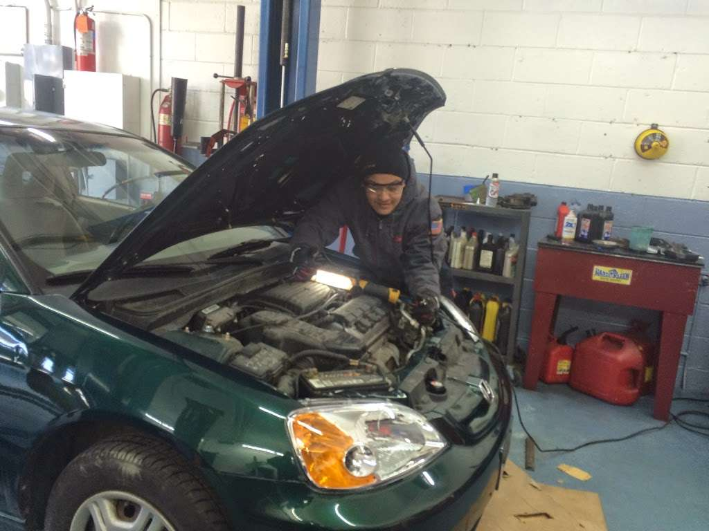 Mannys Auto Care Inc - car repair  | Photo 9 of 10 | Address: 457 Teaneck Rd, Teaneck, NJ 07666, USA | Phone: (201) 488-0811
