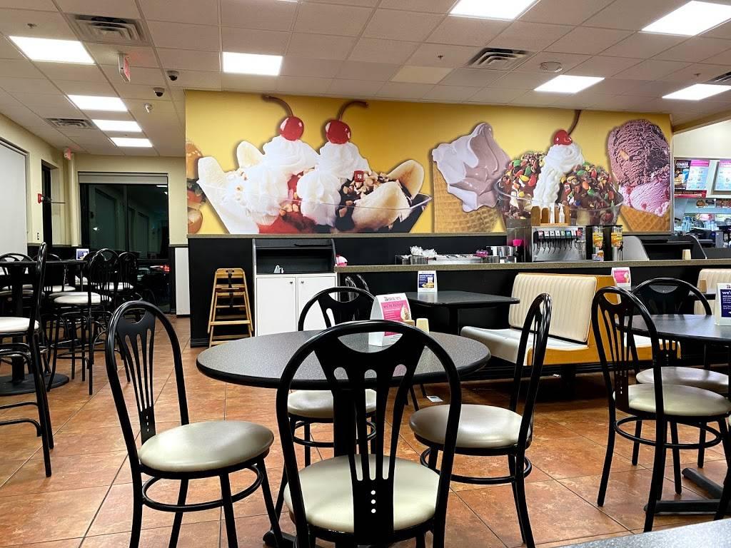 Braums Ice Cream & Burger Restaurant - restaurant  | Photo 4 of 9 | Address: 11415 E 96th St N, Owasso, OK 74055, USA | Phone: (918) 272-4770