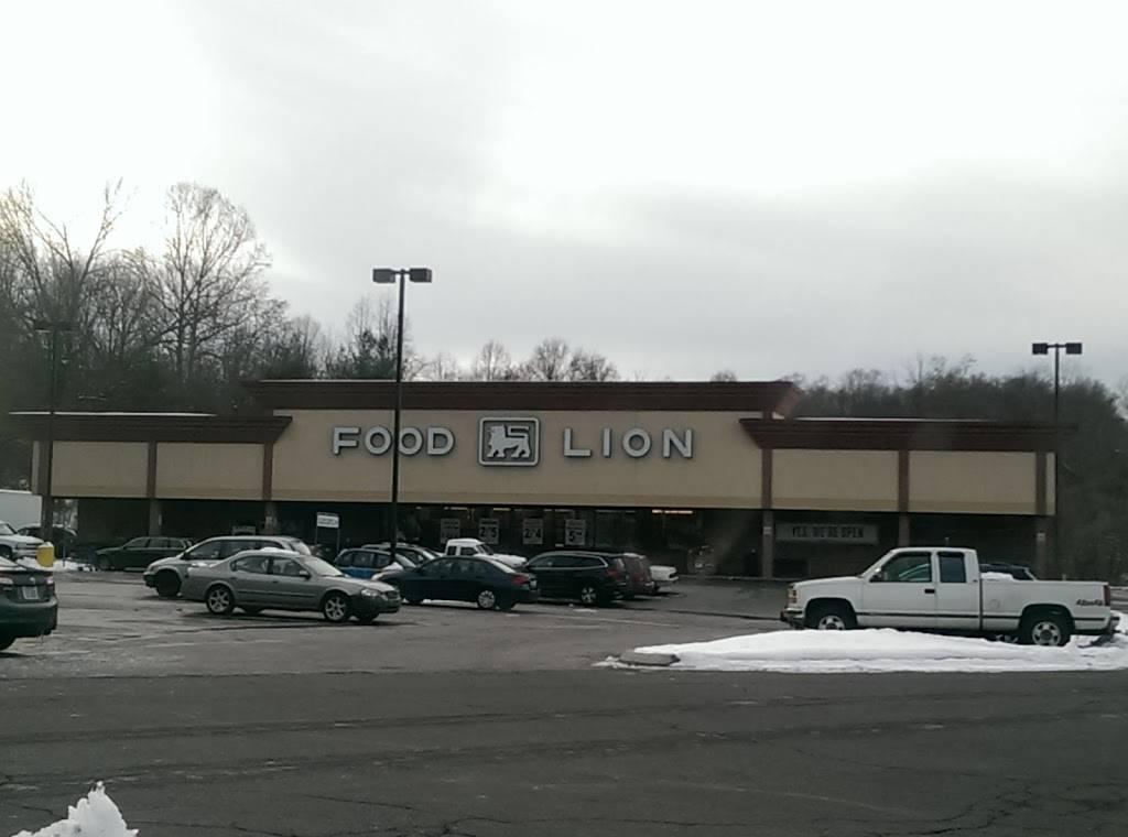 Food Lion - store  | Photo 1 of 8 | Address: 4826 Country Club Rd, Winston-Salem, NC 27104, USA | Phone: (336) 760-2471