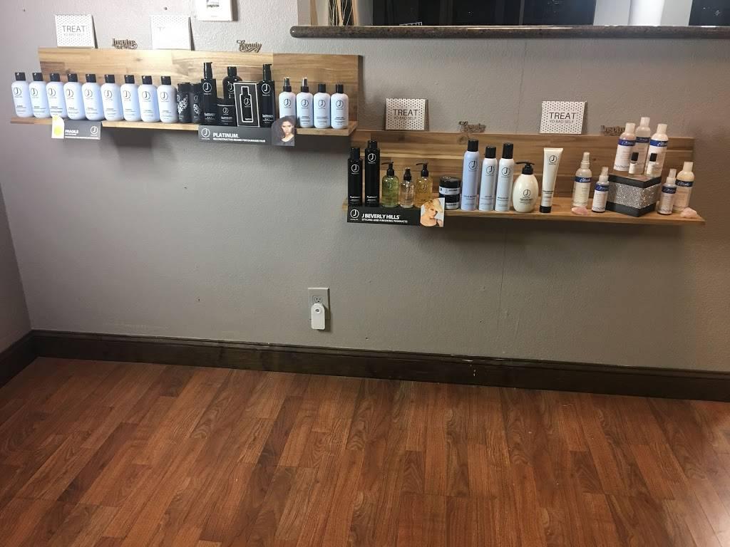 Vandelay Hair Industries Midtown - hair care  | Photo 3 of 10 | Address: 1430 20th St, Sacramento, CA 95811, USA | Phone: (916) 247-6920