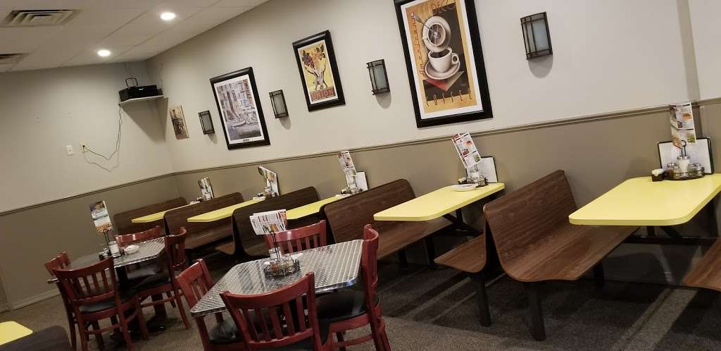 Olivieros pizzeria - restaurant  | Photo 1 of 10 | Address: 101 Park Ln, Douglassville, PA 19518, USA | Phone: (610) 385-0411
