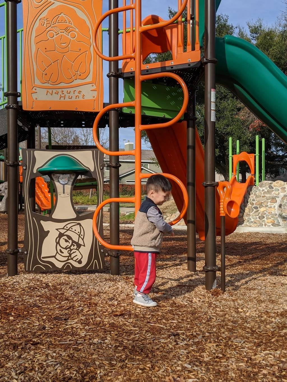 Mix Park - park    Photo 3 of 9   Address: 8770 Goldy Glen Way, Elk Grove, CA 95624, USA   Phone: (916) 405-5300