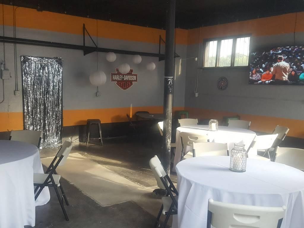 Theshop@1417 - night club    Photo 3 of 8   Address: 1417 Pearson Ave SW, Birmingham, AL 35211, USA   Phone: (205) 451-3679