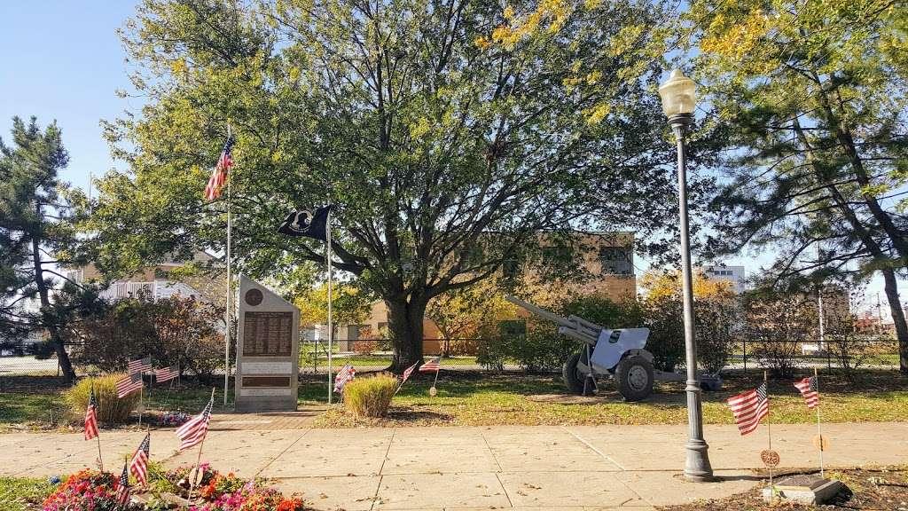 Market square Memorial park - park  | Photo 9 of 10 | Address: 4 E Delaware St, Marcus Hook, PA 19061, USA